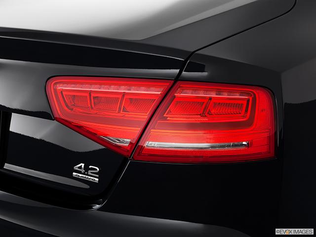 2011 Audi A8 Passenger Side Taillight