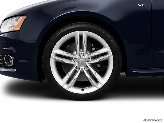 2011 Audi S5 Front Drivers side wheel at profile