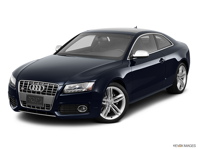 2011 Audi S5 Front angle view