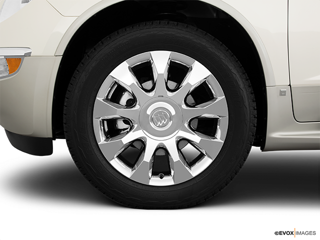 2011 Buick Enclave Front Drivers side wheel at profile