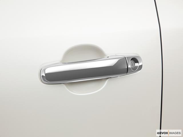 2011 Buick Enclave Drivers Side Door handle