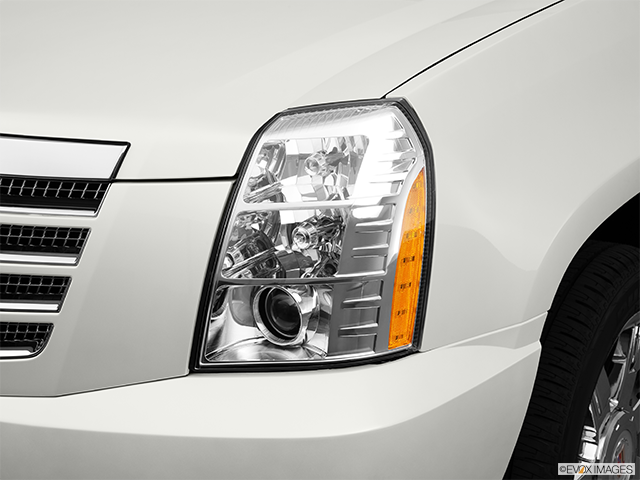 2011 Cadillac Escalade EXT Drivers Side Headlight