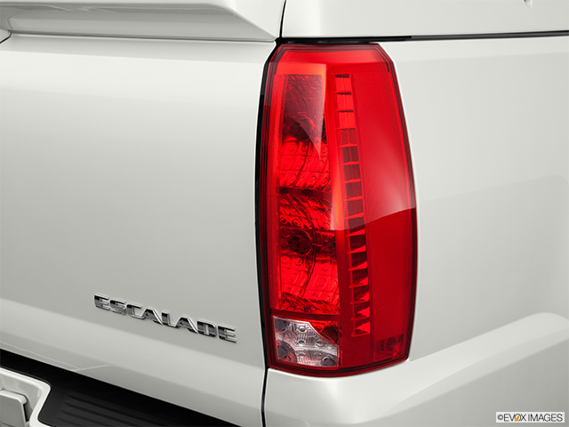 2011 Cadillac Escalade EXT Passenger Side Taillight