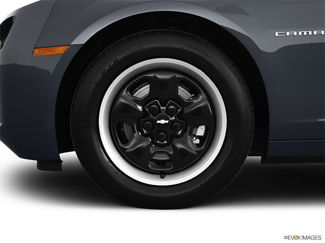 2011 Chevrolet Camaro Front Drivers side wheel at profile