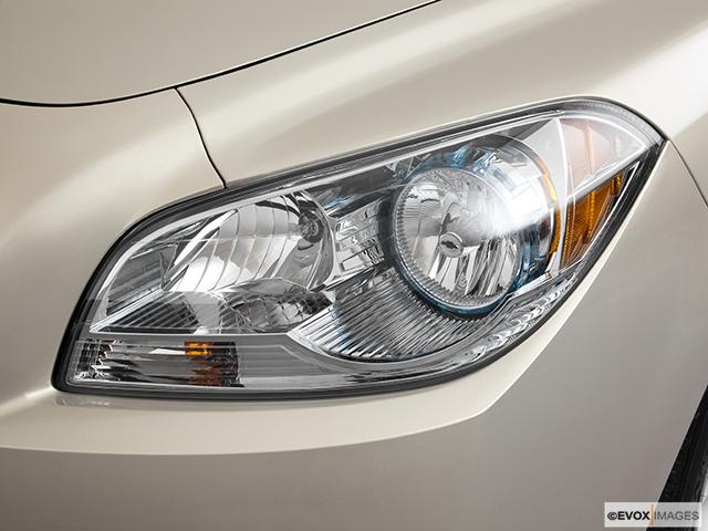 2011 Chevrolet Malibu Drivers Side Headlight