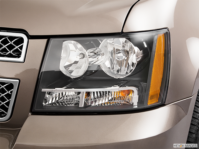 2011 Chevrolet Tahoe Drivers Side Headlight