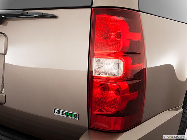 2011 Chevrolet Tahoe Passenger Side Taillight