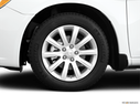 2011 Chrysler 200 Front Drivers side wheel at profile