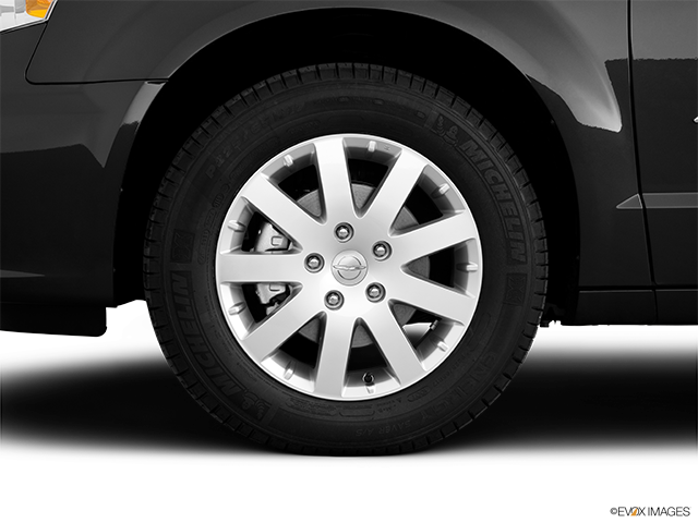 2011 Chrysler Town and Country Front Drivers side wheel at profile