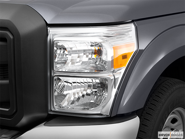 2011 Ford F-250 Super Duty Drivers Side Headlight