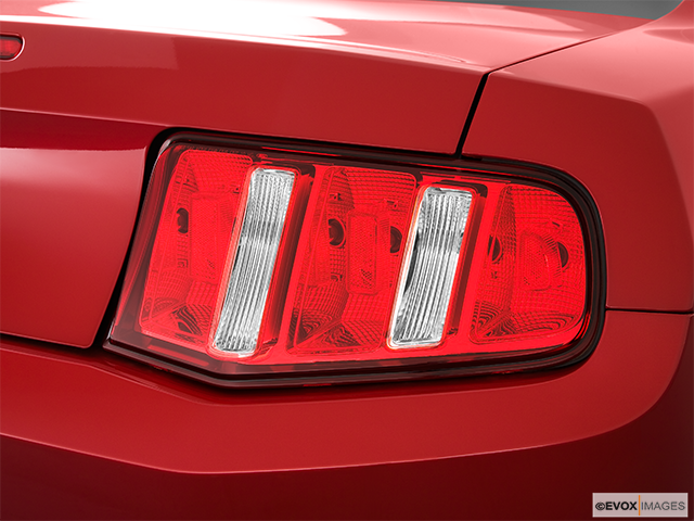 2011 Ford Mustang Passenger Side Taillight
