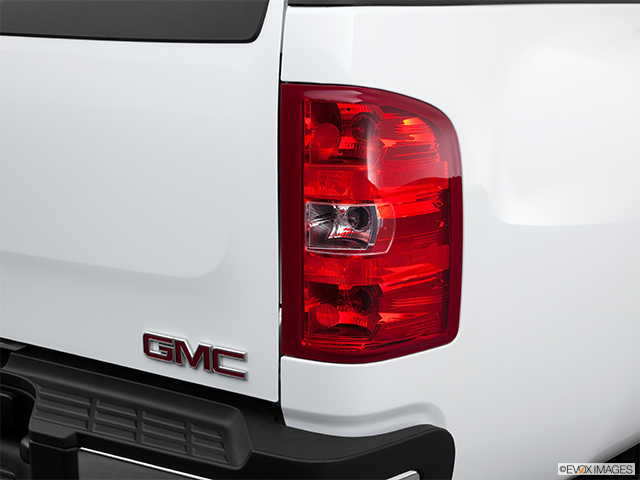 2011 GMC Sierra 3500HD CC Passenger Side Taillight