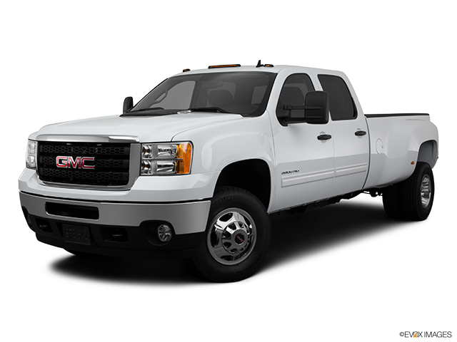 2011 GMC Sierra 3500HD CC Front angle medium view