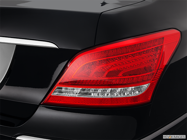 2011 Hyundai Equus Passenger Side Taillight