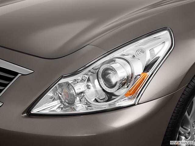 2011 INFINITI G37 Sedan Drivers Side Headlight