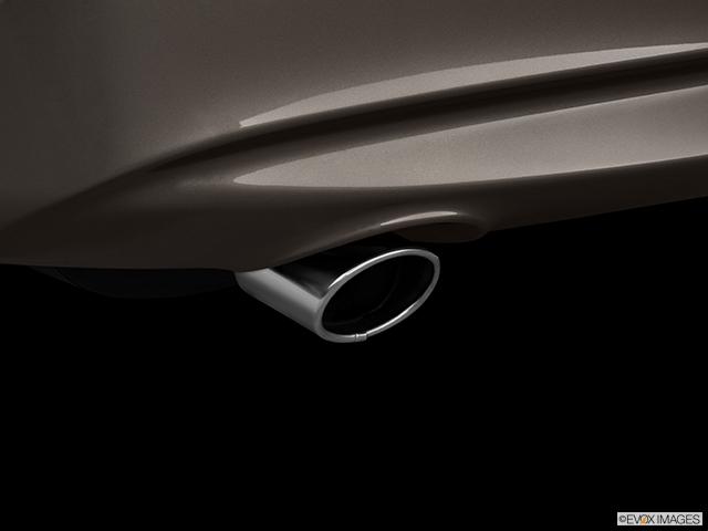 2011 INFINITI G37 Sedan Chrome tip exhaust pipe