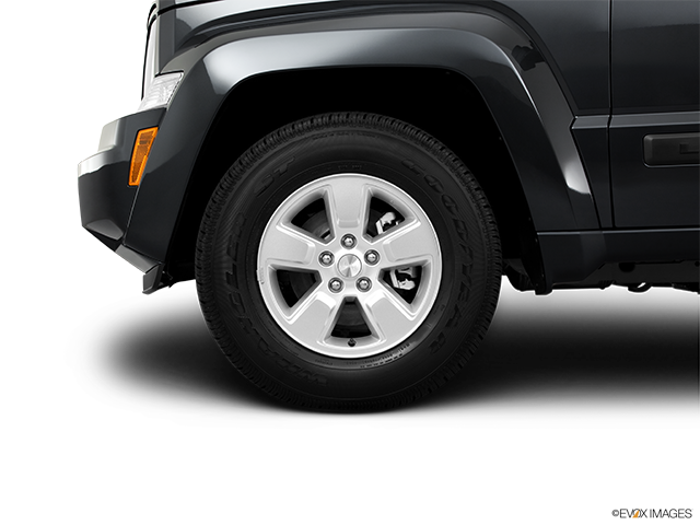2011 Jeep Liberty Front Drivers side wheel at profile