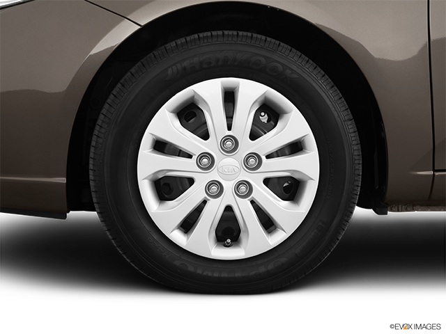 2011 Kia Forte Front Drivers side wheel at profile