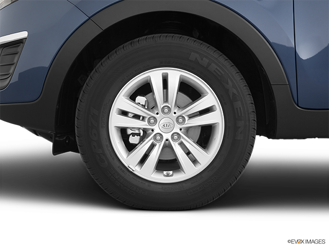 2011 Kia Sportage Front Drivers side wheel at profile