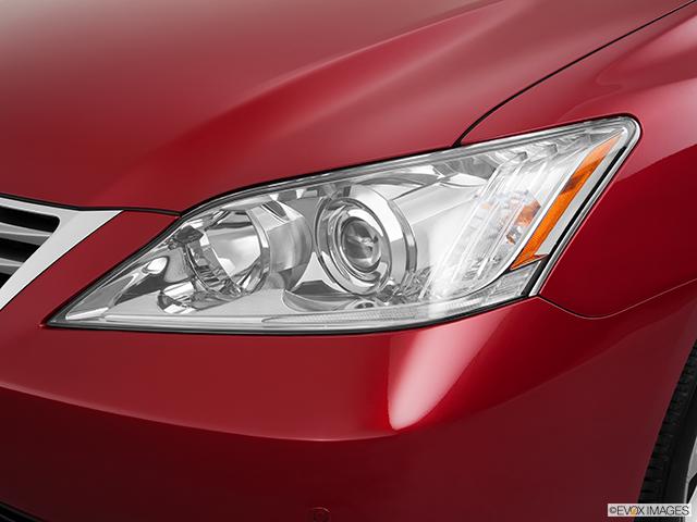2011 Lexus ES 350 Drivers Side Headlight
