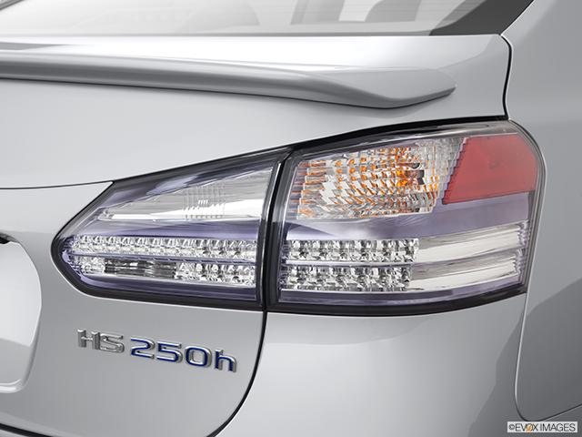 2011 Lexus HS 250h Passenger Side Taillight