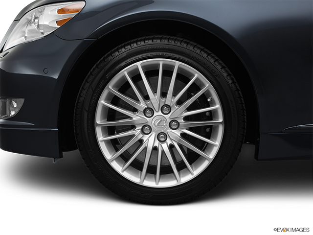 2011 Lexus LS 460 Front Drivers side wheel at profile