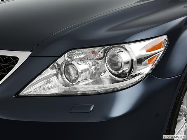 2011 Lexus LS 460 Drivers Side Headlight