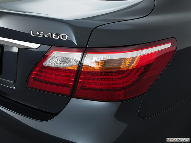 2011 Lexus LS 460 Passenger Side Taillight