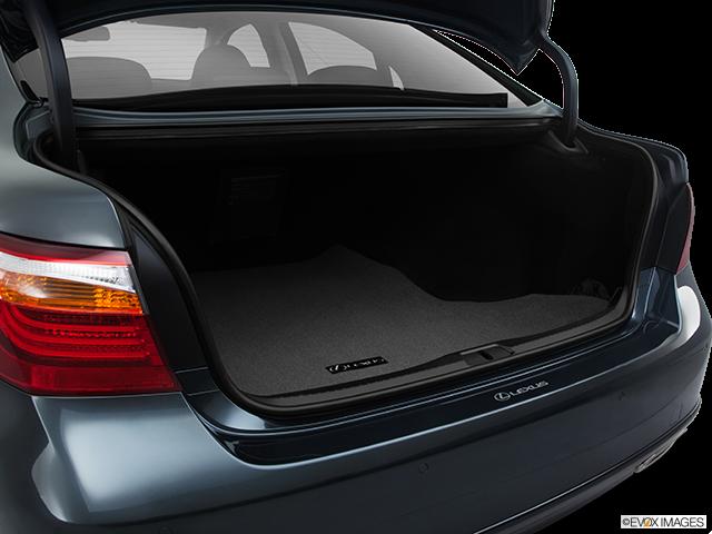 2011 Lexus LS 460 Trunk open