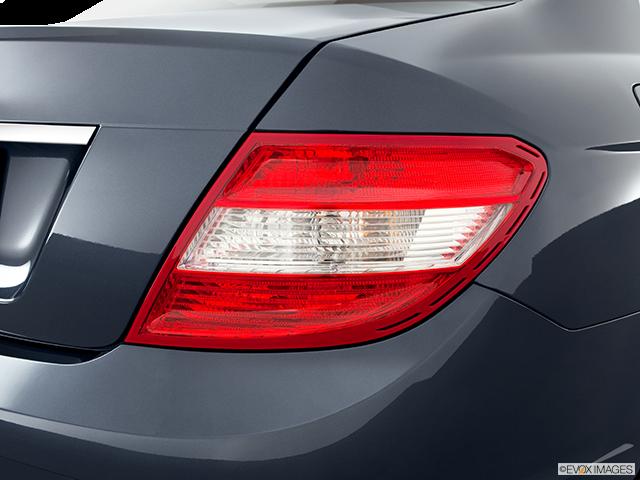 2011 Mercedes-Benz C-Class Passenger Side Taillight