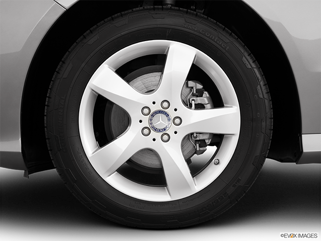 2011 Mercedes-Benz R-Class Front Drivers side wheel at profile