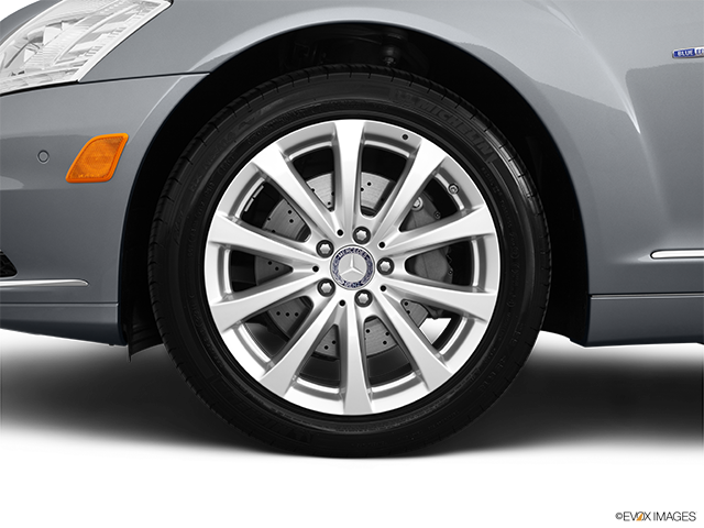 2011 Mercedes-Benz S-Class Front Drivers side wheel at profile