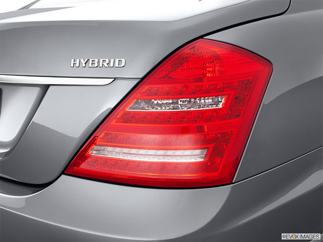 2011 Mercedes-Benz S-Class Passenger Side Taillight