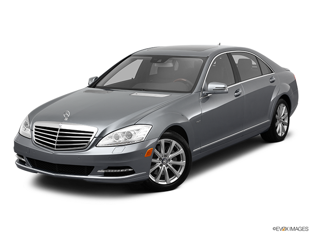 2011 Mercedes-Benz S-Class Front angle view