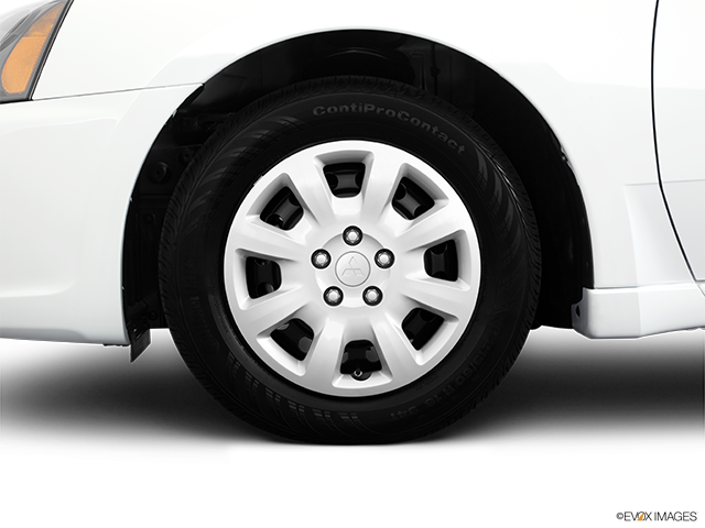 2011 Mitsubishi Galant Front Drivers side wheel at profile