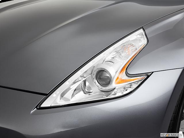 2011 Nissan 370Z Drivers Side Headlight