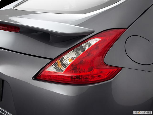 2011 Nissan 370Z Passenger Side Taillight