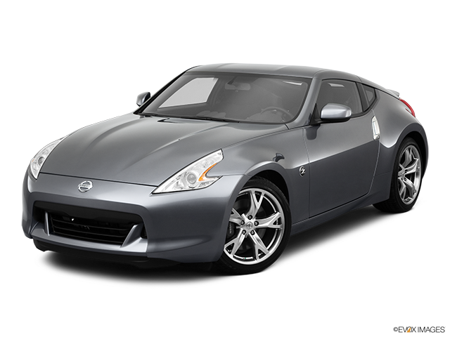2011 Nissan 370Z Front angle view
