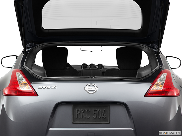 2011 Nissan 370Z Trunk open