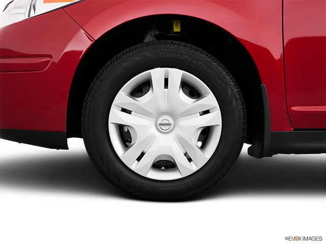 2011 Nissan Versa Front Drivers side wheel at profile