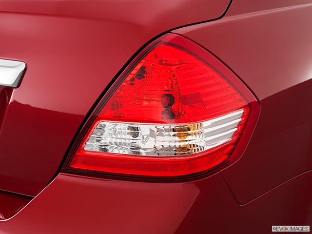 2011 Nissan Versa Passenger Side Taillight