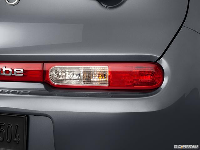 2011 Nissan cube Passenger Side Taillight