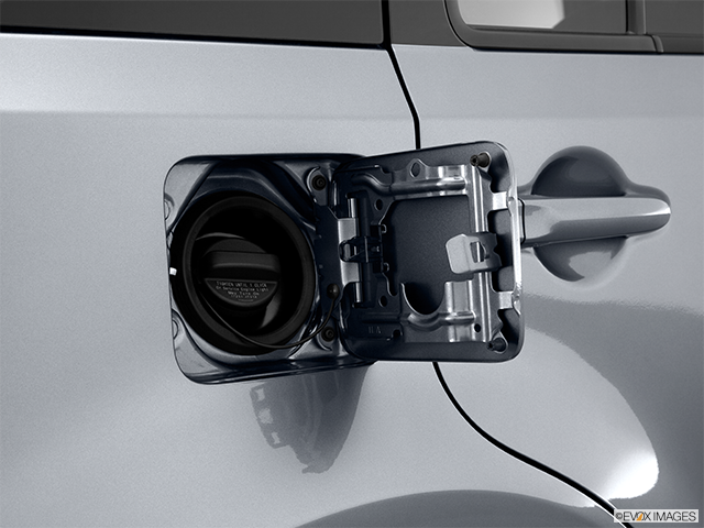 2011 Nissan cube Gas cap open