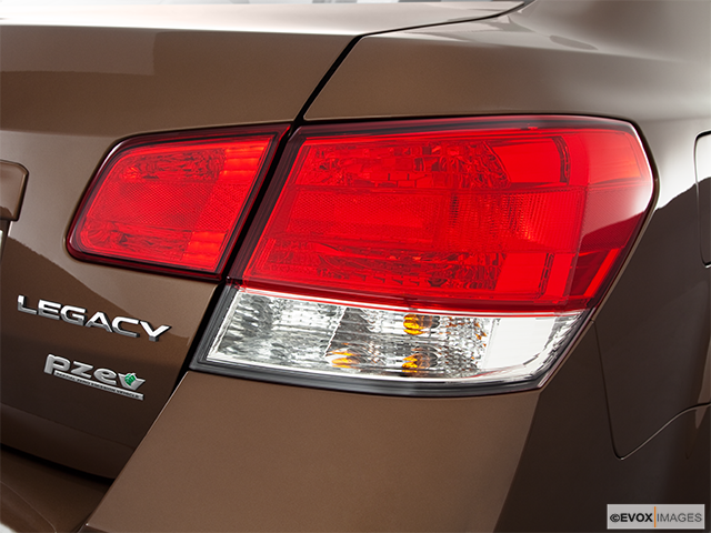 2011 Subaru Legacy Passenger Side Taillight