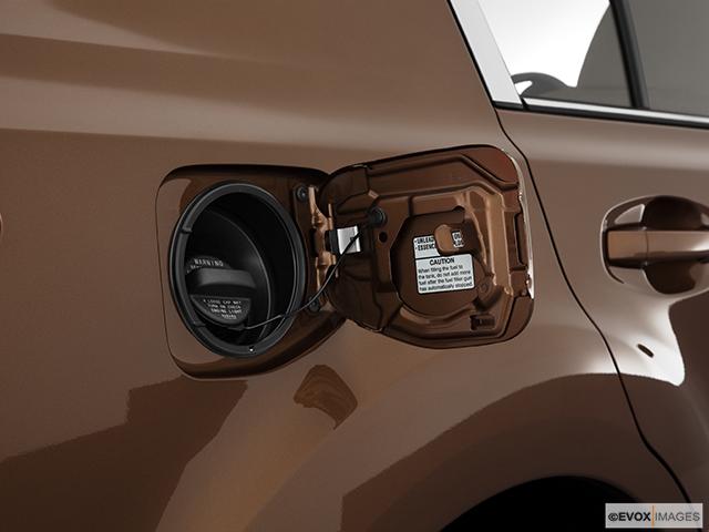 2011 Subaru Legacy Gas cap open