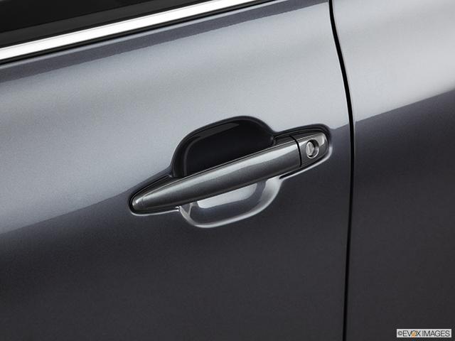 2011 Toyota Highlander Drivers Side Door handle