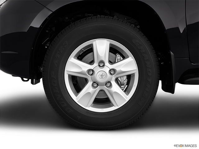 2011 Toyota Land Cruiser Front Drivers side wheel at profile