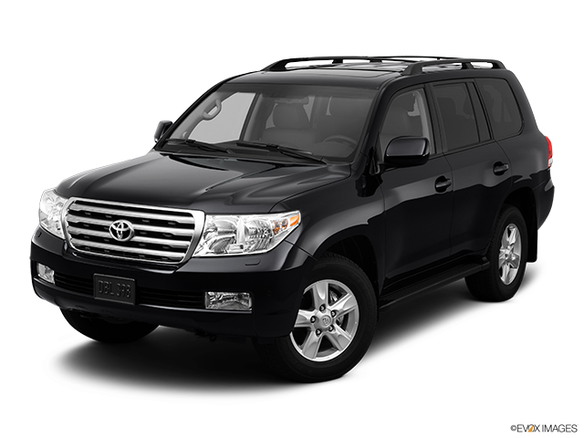2011 Toyota Land Cruiser Front angle view