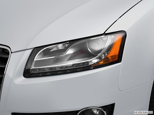 2012 Audi A5 Drivers Side Headlight