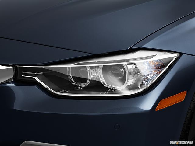 2012 BMW 3 Series Drivers Side Headlight